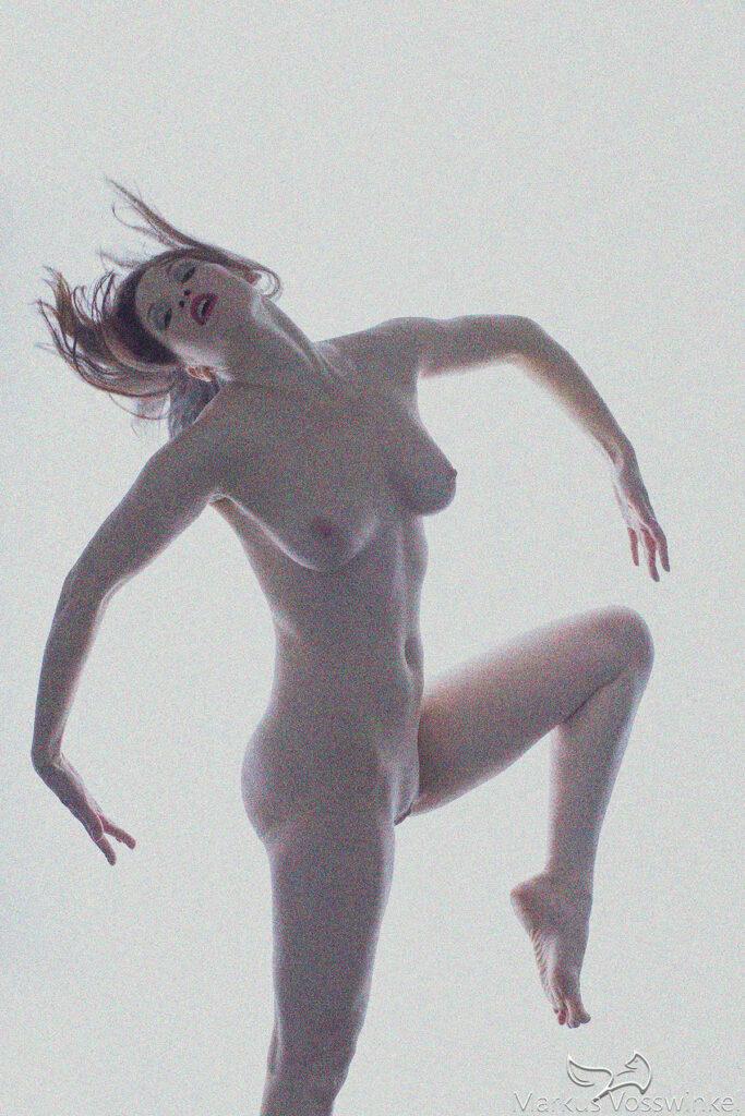 Body language, dancing puppet