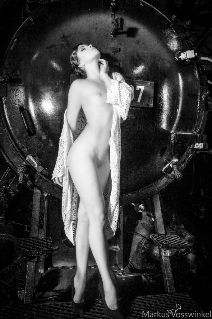 woman portrait black and white